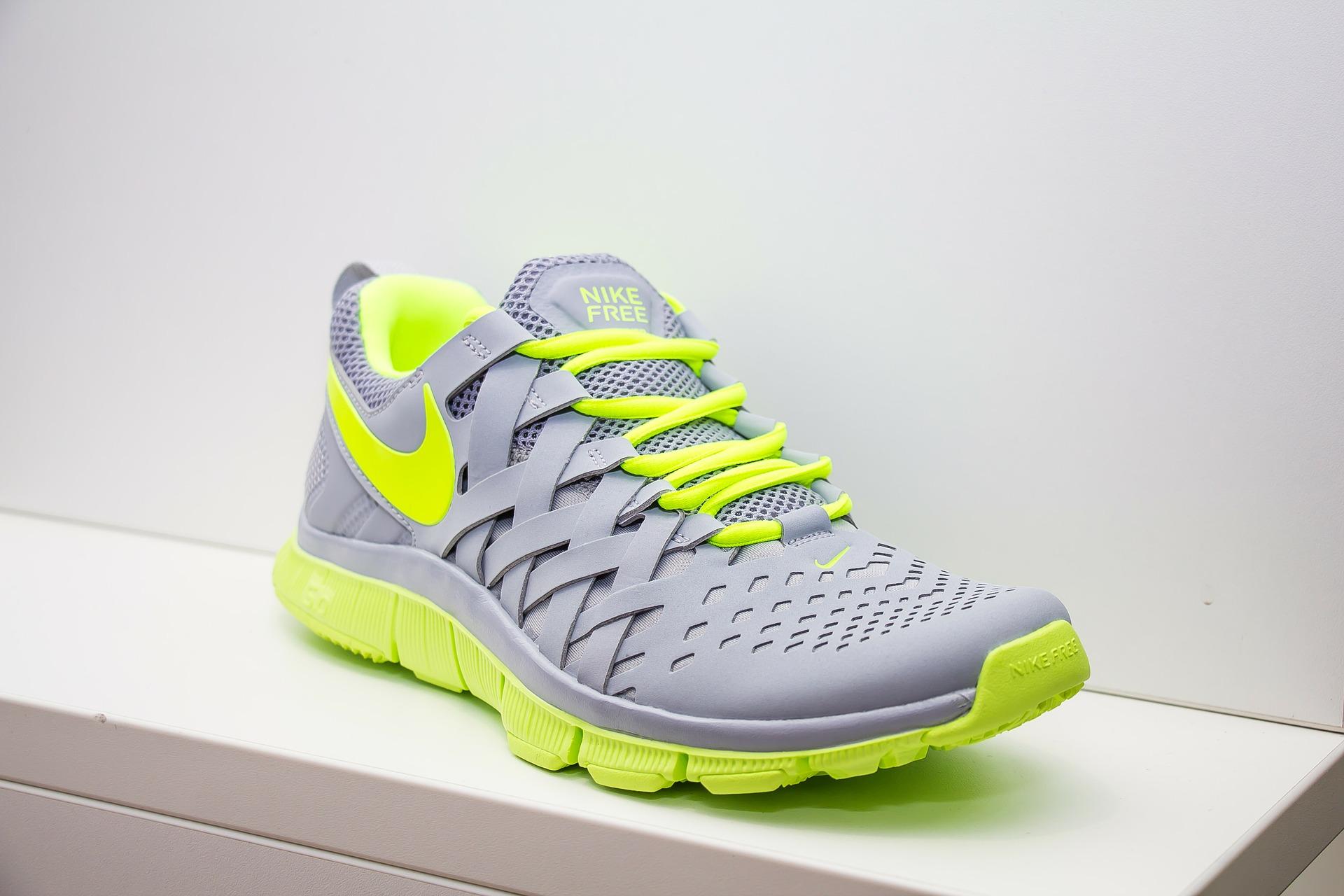shoes-346986_1920