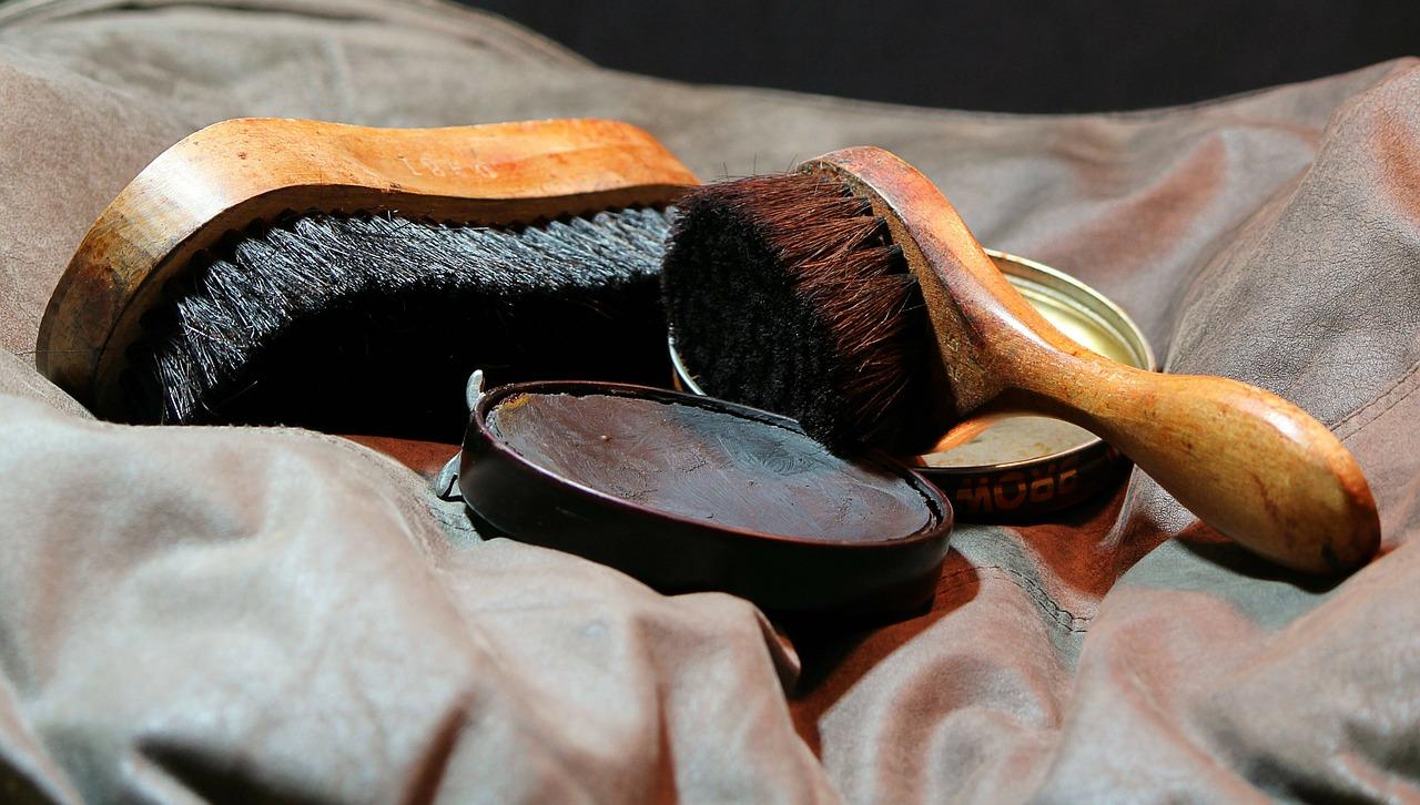 shoeshine-72477_1280